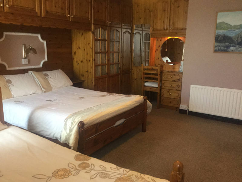 Eyeries B&B Family Bedroom West Cork